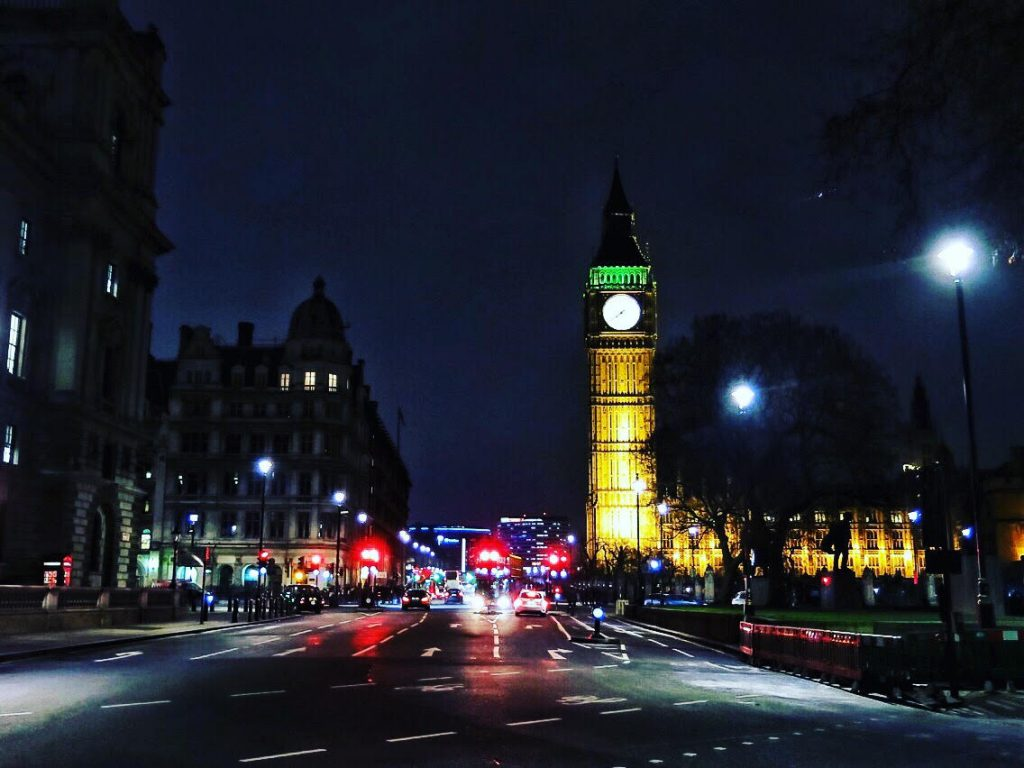 Londres Monika